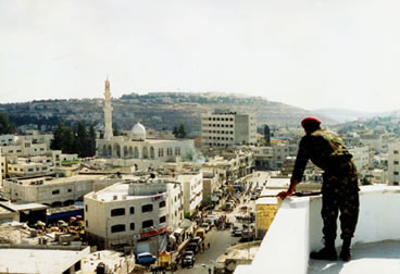 http://www.enterstageright.com/archive/articles/1102/111802ramallah.jpg